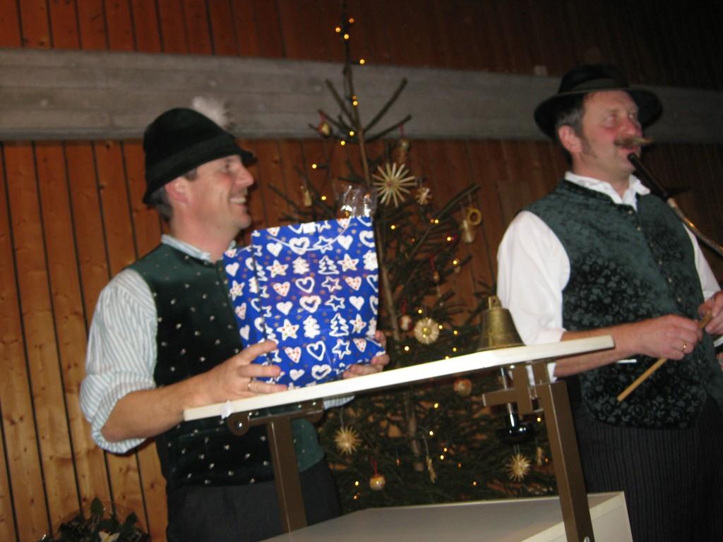20111203-weihnachtsfeier-010