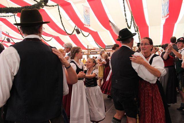 20180708-volksfest-auftritt-013